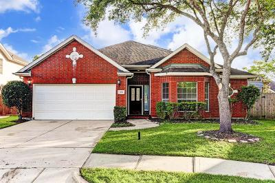 League City Single Family Home For Sale: 4404 Blooming Garden Court