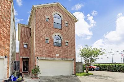 Houston Single Family Home For Sale: 9833 Madeline Alyssa Court