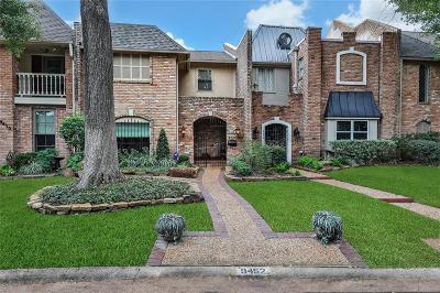 Houston Condo/Townhouse For Sale: 9452 Briar Forest Drive