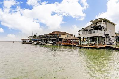 Tiki Island Single Family Home For Sale: 403 Tahiti Road