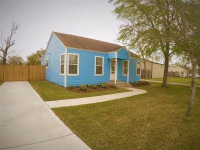La Porte Single Family Home For Sale: 205 S Holmes Street