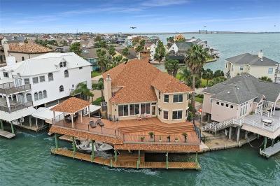 Tiki Island Single Family Home For Sale: 1207 Oahu Drive