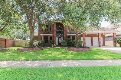 Pearland Single Family Home For Sale: 3030 Elsbury Lane