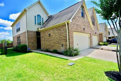 Houston Condo/Townhouse For Sale: 14303 Mossy Gate Lane