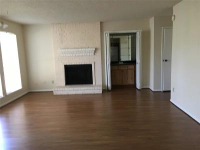 Houston Condo/Townhouse For Sale: 1900 Bay Area Boulevard #102