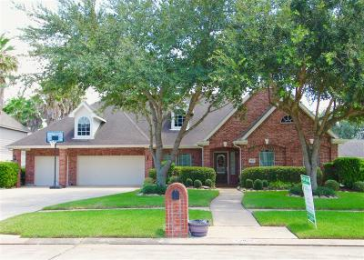 Friendswood Single Family Home For Sale: 2827 Everett Drive