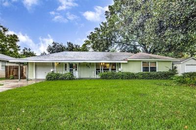 Deer Park Single Family Home For Sale: 207 E Highline Drive