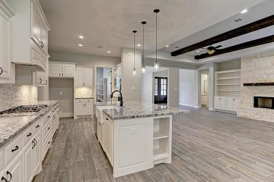 Magnolia Single Family Home For Sale: 22803 Meadowsweet Drive