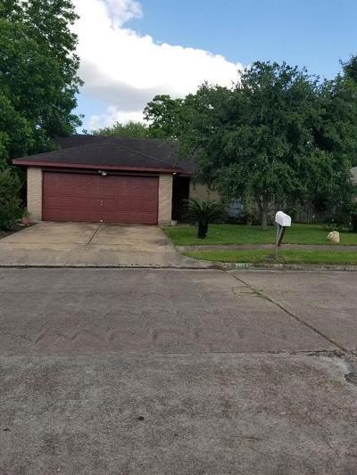Sugar Land Single Family Home For Sale: 10331 Gulfstream Lane