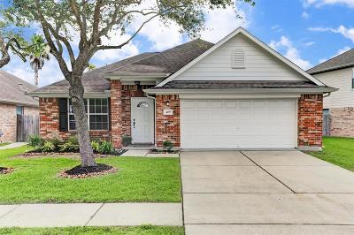 Dickinson Single Family Home For Sale: 409 Sun River Lane