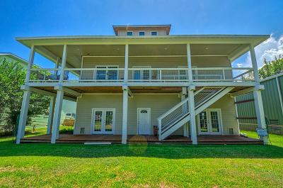 Kemah Single Family Home For Sale: 211 W 6th Street
