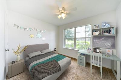 Richmond Single Family Home For Sale: 6810 Clover Walk Lane