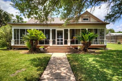 Matagorda Single Family Home For Sale: 840 W Fisher Street W