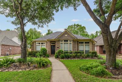 Missouri City Single Family Home For Sale: 2718 Five Oaks Drive