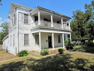 Schulenburg Single Family Home For Sale: 903 James Avenue