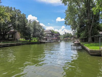 Single Family Home For Sale: 14182 Shadow Bay Drive
