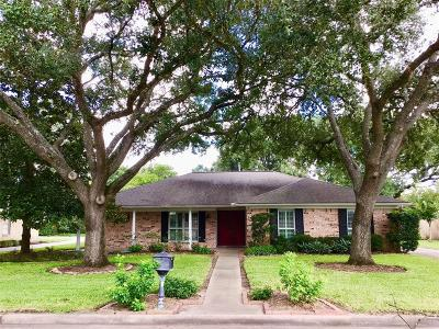 Tomball Single Family Home For Sale: 510 N Pecan Drive