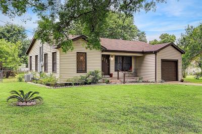 Alvin Single Family Home For Sale: 1001 W Phillips Street
