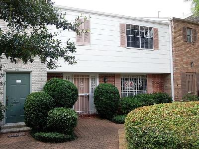 Houston Condo/Townhouse For Sale: 6463 Olympia Drive #63