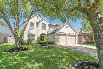 Sugar Land Single Family Home For Sale: 2422 Waterwood Drive
