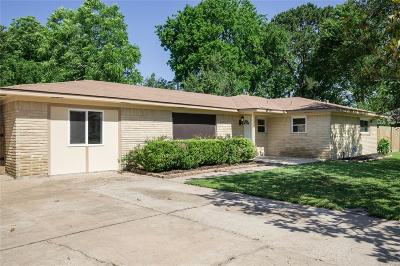 Pearland Single Family Home For Sale: 2504 Francis Drive