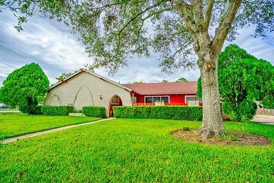Richmond Single Family Home For Sale: 1006 Country Club Drive