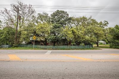 Willis Single Family Home For Sale: 203 E Powell Street