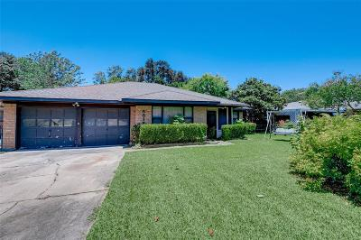 Houston Single Family Home For Sale: 5818 Moonmist Drive