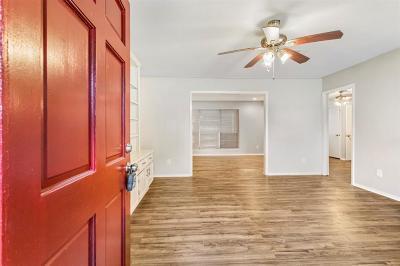 La Marque Single Family Home For Sale: 2609 Lake Park Drive