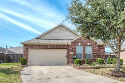 Pearland Single Family Home For Sale: 2422 Modena Court