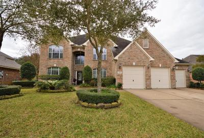 Pearland Single Family Home Option Pending: 2906 Concord Knoll Drive