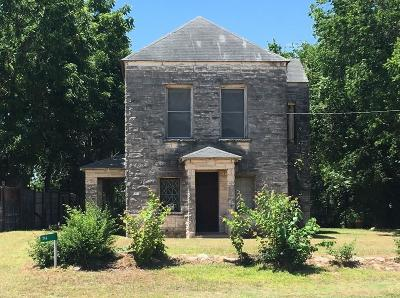 Hallettsville Single Family Home For Sale: 714 W Fairwinds Street