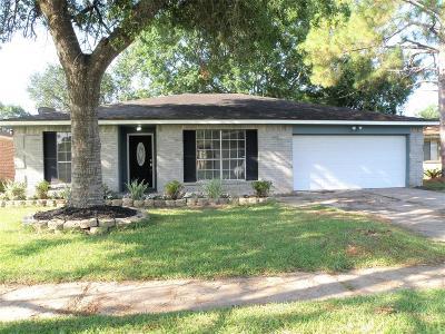 League City Single Family Home For Sale: 6213 Woodvale Drive