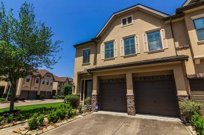 Houston Condo/Townhouse For Sale: 11630 Royal Oaks Crossing