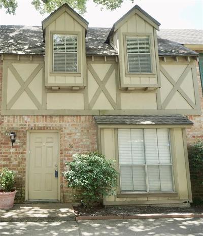 Houston Condo/Townhouse For Sale: 14711 Barryknoll Lane #36