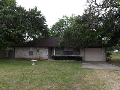 Hallettsville Single Family Home For Sale: 805 N Main Street