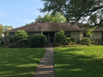 League City Single Family Home For Sale: 2318 Acacia Street