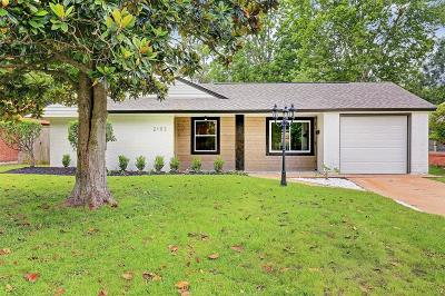 Oak Forest Single Family Home For Sale: 2103 Lamonte Lane
