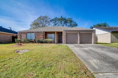 League City TX Single Family Home For Sale: $189,999