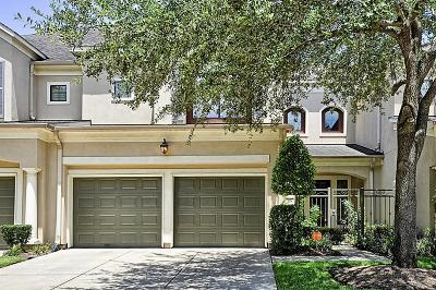 Sugar Land Condo/Townhouse For Sale: 25 Sweetwater Court