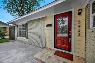 Oak Forest Single Family Home For Sale: 5422 Nina Lee Lane Lane