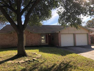 Houston Single Family Home For Sale: 19423 Leafwood Lane