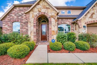 Fulshear Single Family Home For Sale: 27722 Halls Farms Lane