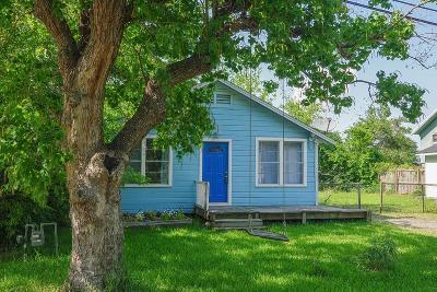 La Porte Single Family Home For Sale: 222 Reynolds Court