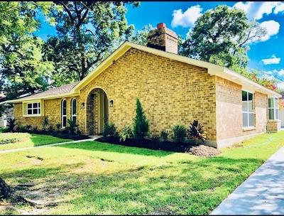 Friendswood Single Family Home For Sale: 15511 Wandering Trail Trail