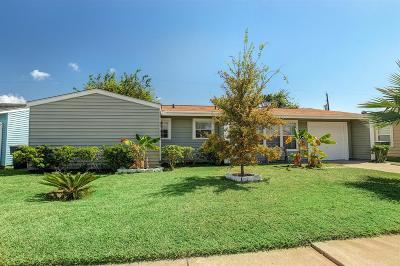Galveston Single Family Home For Sale: 7201 Yucca Drive
