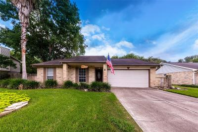 League City Single Family Home For Sale: 5613 Summer Place
