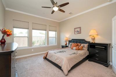 Jersey Village Single Family Home For Sale: 168 Castlegate Ln