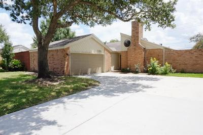 Single Family Home For Sale: 2362 College Green Drive