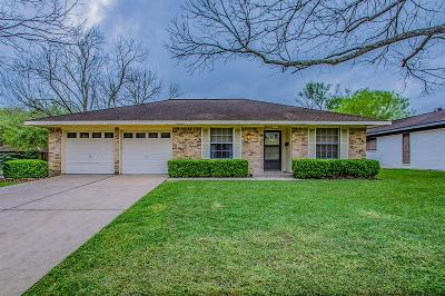 Pearland Single Family Home For Sale: 2912 Trinity Drive